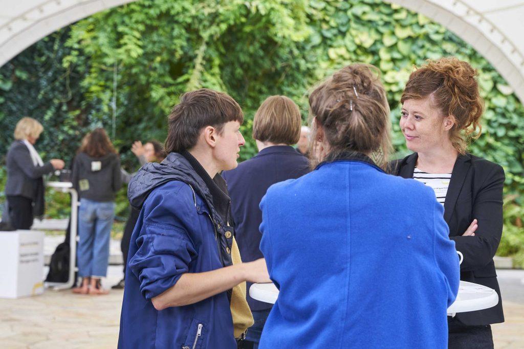 Nadine Grobeis und Ann-Kathrin Büdenbender vom Projekt