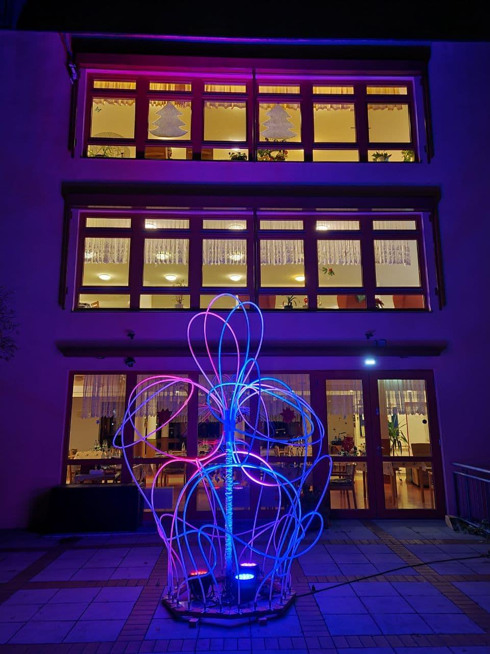 Lichtskulptur an Altenheim | © Kulturhof Lübbenau e.V.