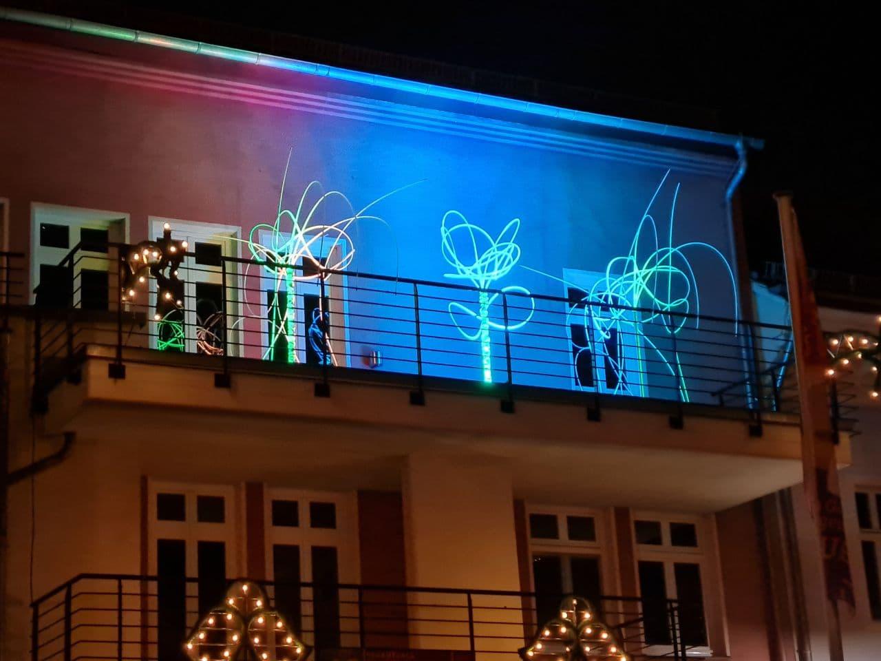 Lichtskulpturen auf Ratzhaus-Balkon | © Kulturhof Lübbenau e.V.