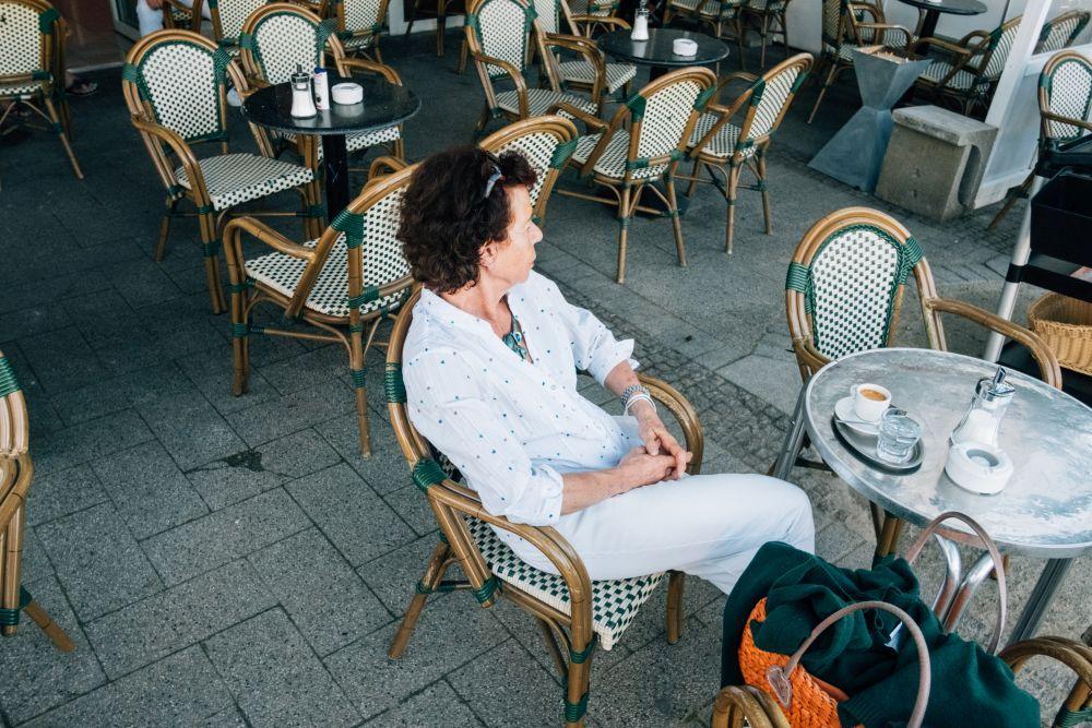 Fast leere Cafés prägen das Straßenbild © Philipp Czampiel